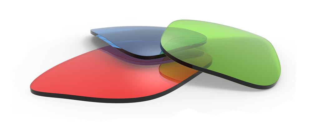 sluneční brýle různých barev