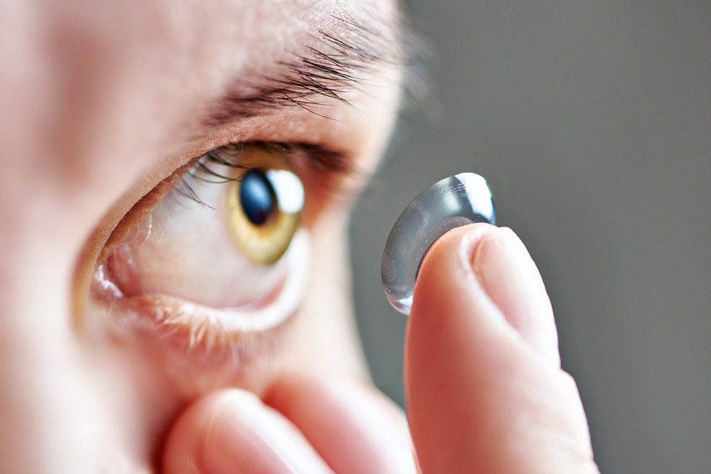 kontaktní čočky aplikace