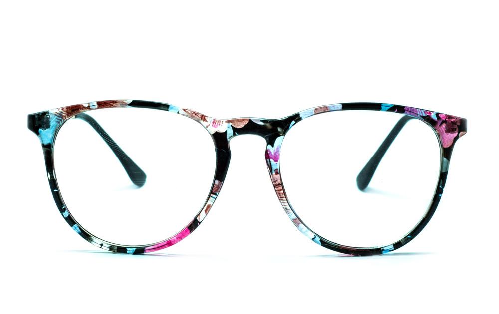plastové brýlové obruby