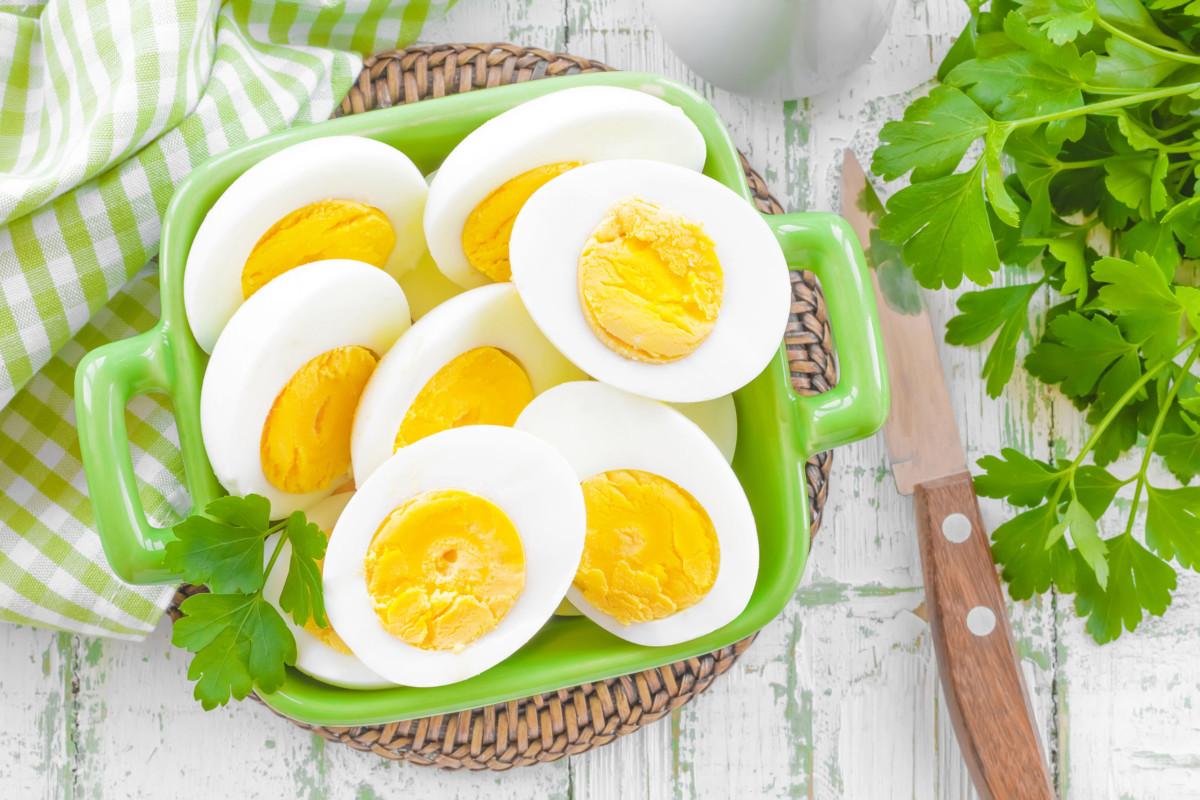 vejce jsou důležité pro zdraví očí díky obsahu vitaminu A, luteinu a zinku