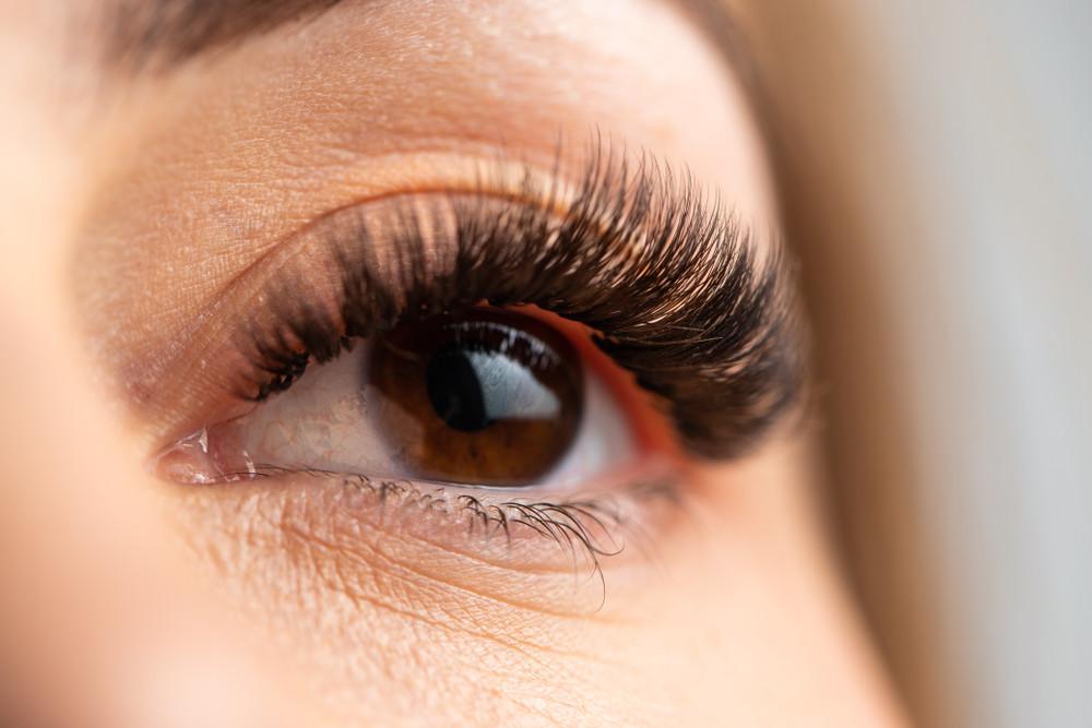 zdravé a přirozené řasy jsou důležité pro zdraví očí